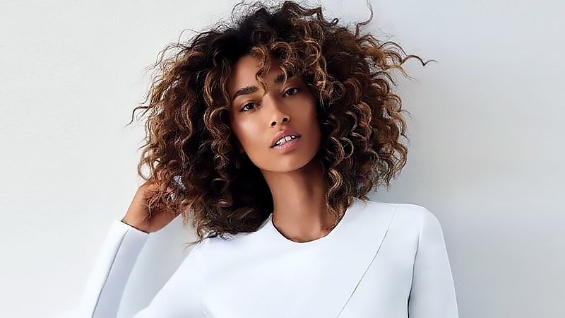 Best 25 sexy black hair with highlights for 2020 the trend spotter Cool Highlights On Natural AfricanAmerican