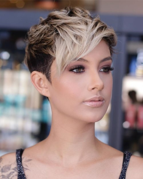Best 21 flattering short haircuts for oval faces in 2020 Short Hair Styles For Oval Faces Inspirations
