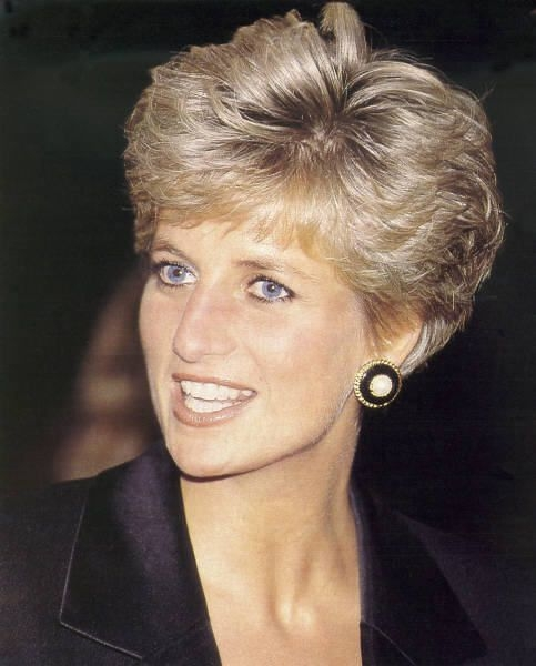 pin on model shootings 3 Princess Diana Haircut Short Choices