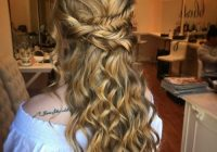 Fresh 18 stunning curly prom hairstyles for 2020 updos down Prom Hairstyles For Medium Hair With Curls And Braids Inspirations